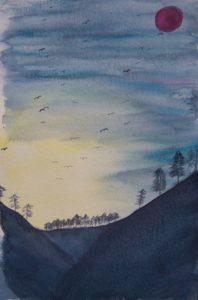 Vögel und Fledermäuse im Licht der untergehenden Sonne. Ein roter Mond steht am Himmelszelt.