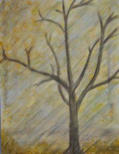 Baum im Herbstwind und -regen.