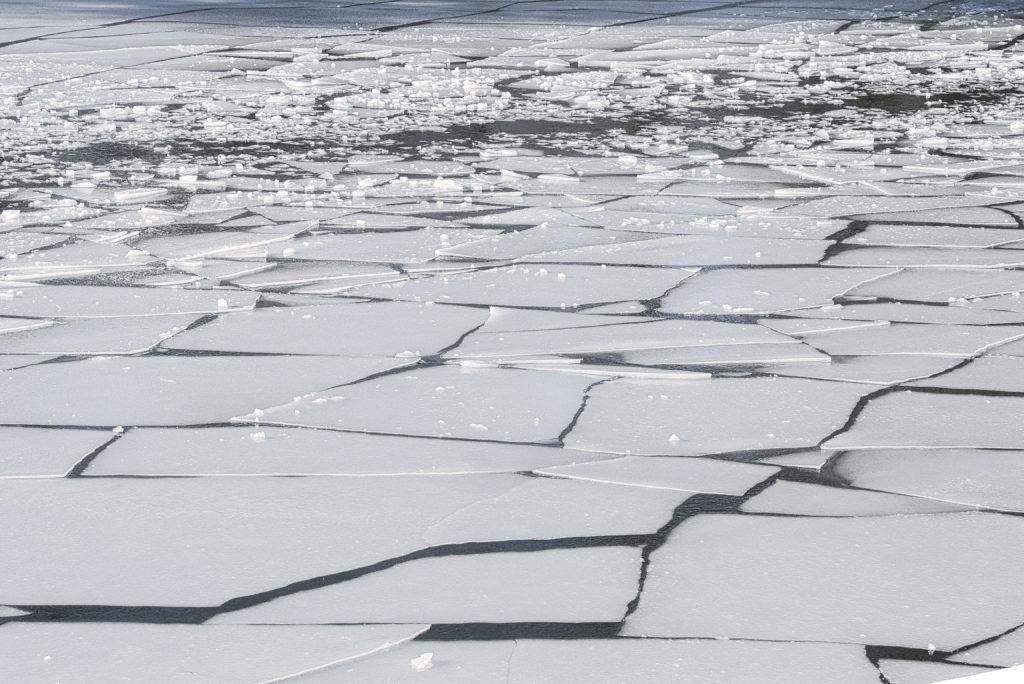 Eisschollen auf der Wagenitz